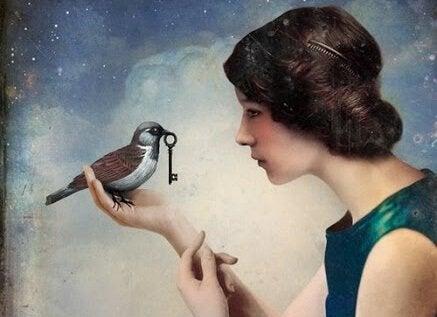 kadının parmağına anahtar taşıyan kuş