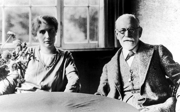 Babasının Yolundan Giden Anna Freud