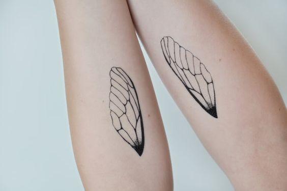 kelebek kanatlı bilekler