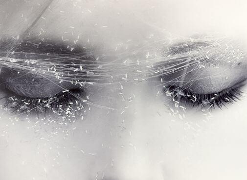 kapalı gözler