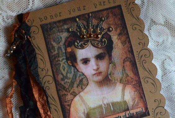 küçük kız resimli günlük kapağı