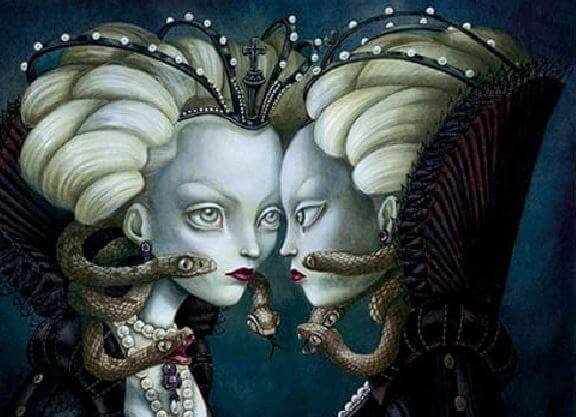 yılanlı kadınlar