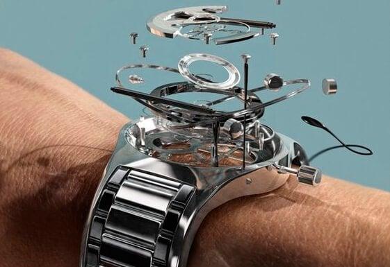 saatin parçaları kolda birleşiyor
