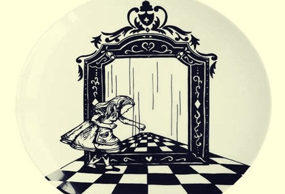 Alice-Aynanın İçinden