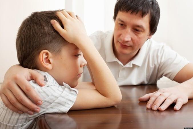 baba ile oğlu konuşuyor
