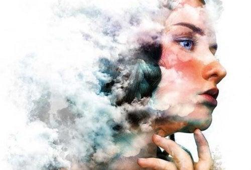 bulutlu kadın