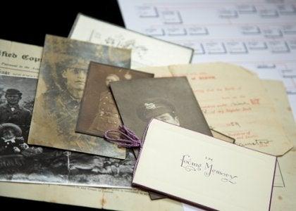 eski mektup ve fotoğraflar
