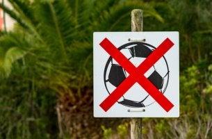 futbol-yasak-isareti