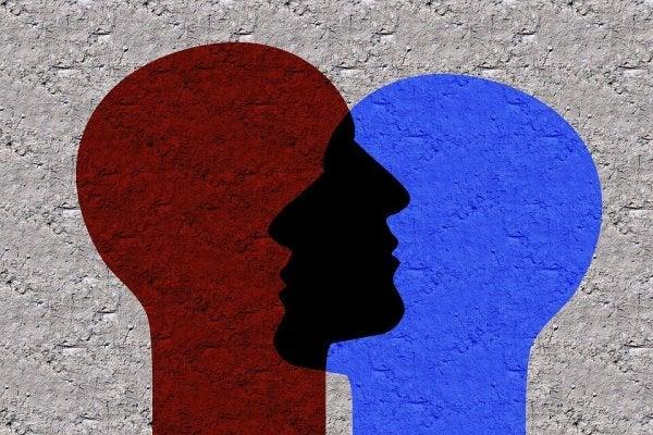 Sosyal Kimlik: Neden Ait Olma İhtiyacı Hissederiz