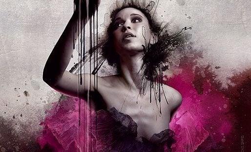 kadın ve pembe boya