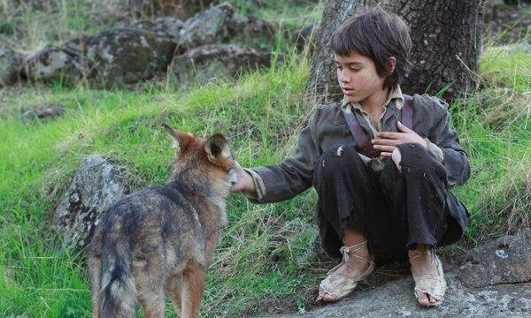 Kurtların Arasında Yaşam: Vahşi Koşullarda Yaşayan Bir Çocuğun Öyküsü