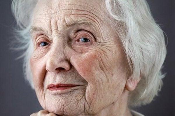 Hayatınızda Yer Alan Yaşlı İnsanlara Saygı Göstermenin 5 Yolu