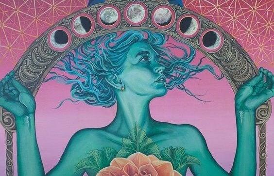 ayın altında saçları uçuşan kadın