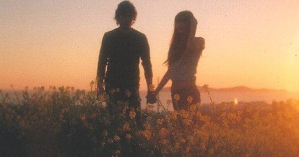 kadın ve erkek tarlada