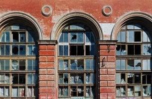 kirik-pencereler