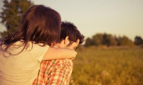 İlişkilerde Bağlılık, Özgürlüğünüzü Etkiler Mi?
