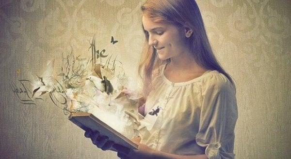 Kitaplar İçimizdekileri Yansıtan Aynalardır