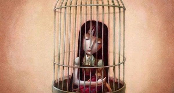 kız kafeste kalmış