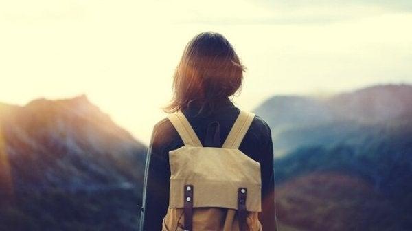 sırt çantasıyla seyahat