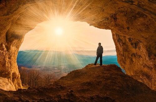 mağaradaki adam
