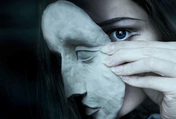 Capgras Sendromu: Sevdiklerini Birer Sahtekar Olarak Görme