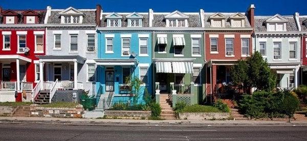 zengin mahallede renkli evler