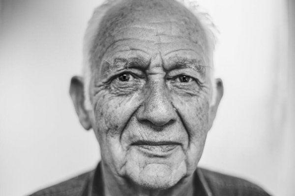 bakan yaşlı adam