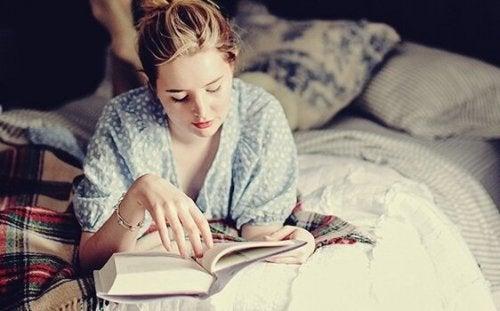 Yatmadan Önce Kitap Okumak: Beyninizin Seveceği Bir Alışkanlık
