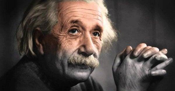 Albert Einstein'ın Kişisel Gelişim Hakkındaki 5 Sözü