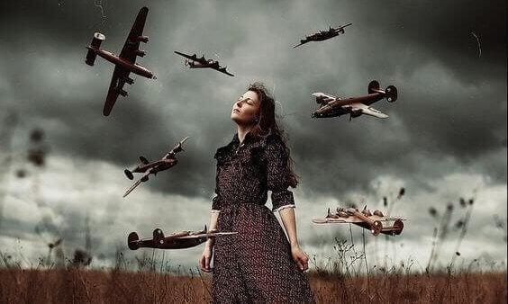 kadının etrafında uçaklar uçuyor bağışlama psikolojisi