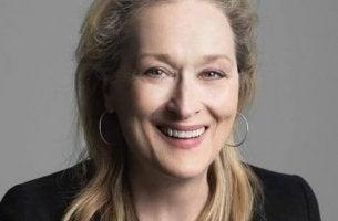 Meryl Streep gülümsüyor