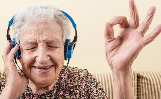 Müzik ve Alzheimer: Uyanan Duygular
