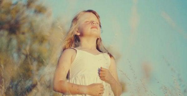 nefes alan kız