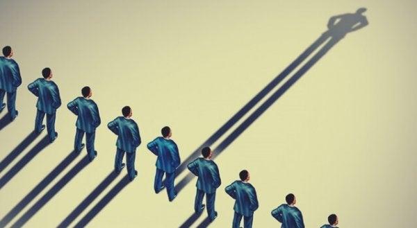 Psikolojiye Göre Otoriter İnsanların 7 Özelliği