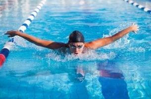 yüzücü erkek