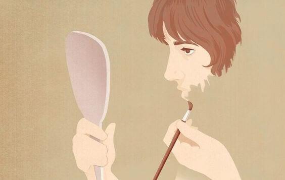 yüzünü boyayan kadın