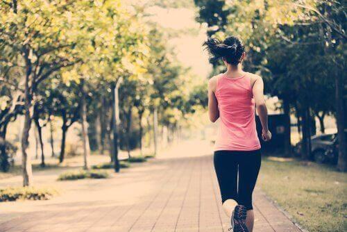 egzersiz yapan kız