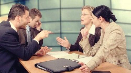 iş görüşmesinden yaşanan tartışma