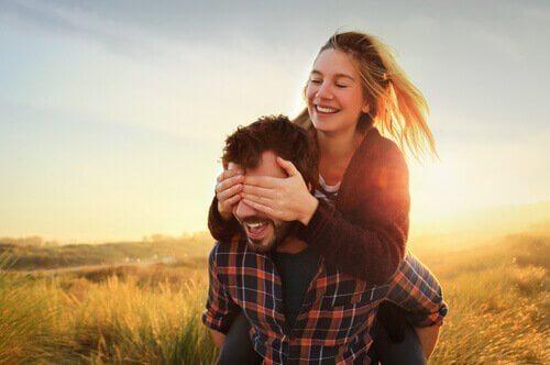 Kör Aşk: Kim Olduklarını Gerçekten Görmediğinizde