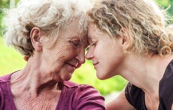 Üzüntüden Muzdarip Yaşlı Yakınlarınıza Yardım Etmek