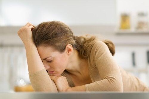 yorgun ev hanımı