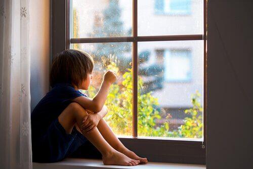 Ayrılık Anksiyetesi: Bağlılık Çocuklar İçin Neden Sağlıklıdır
