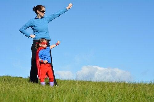 Süper Annelerin Koruması Altındaki Çocuklar