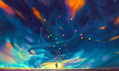 birçok değişik renkte balon