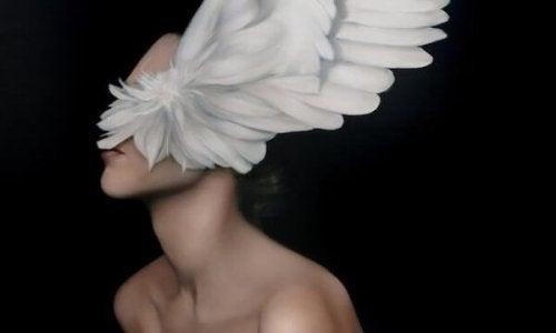 beyaz kanat ve kadın