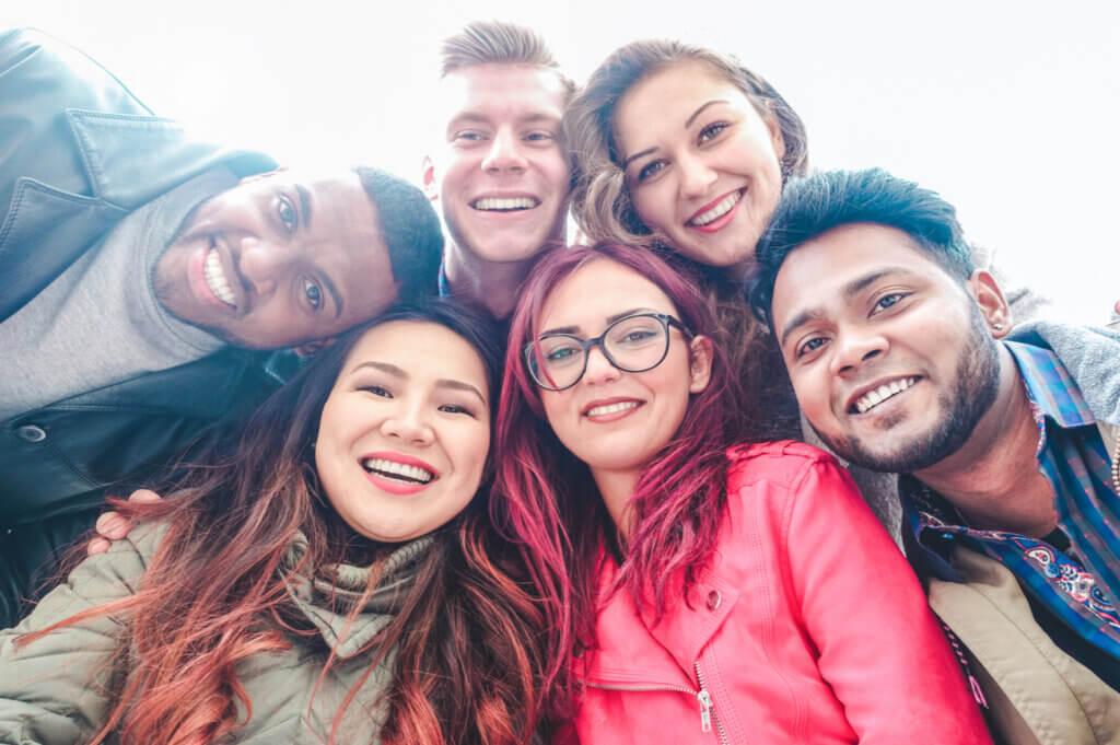 Kolektif Narsisizm - Kendine Bayılan Gruplar