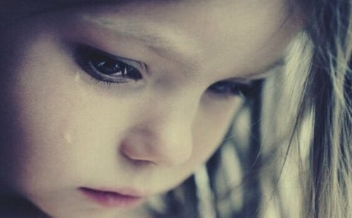 ağlayan kız