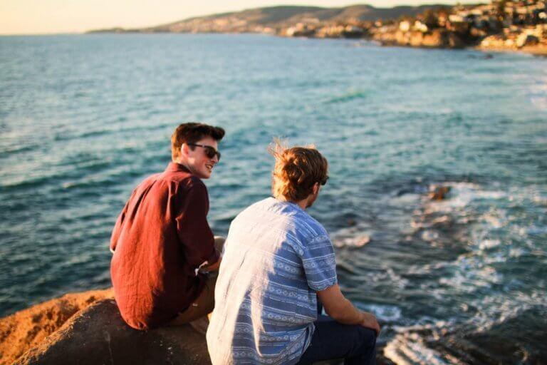 ilk görüşte arkadaşlık ve dayanışma