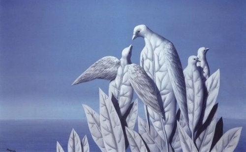 beyaz yaprak şeklinde kuşlar