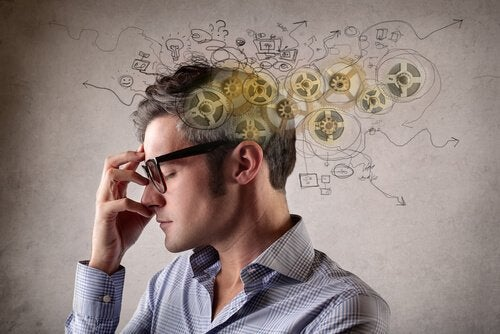 gözlüklü beynin çarkları